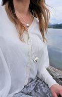 Bilde av IoakU The globe smykke